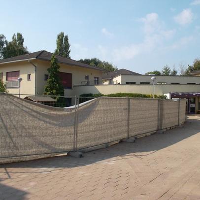 Baustellenabsicherung im Eingangsbereich der KiTa