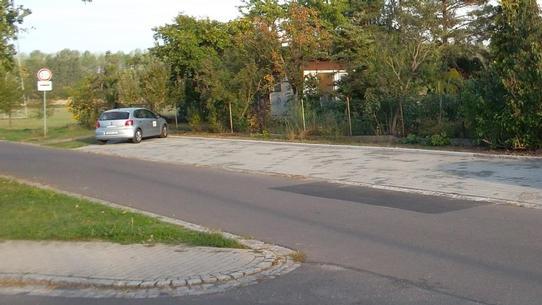 Parkmöglichkeiten für eine Kindertagesstätte in der Gemeinde Elstertrebnitz Vorschau-Bild