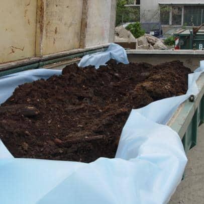 Verladung kontaminierte Materialien in geschlossene Container